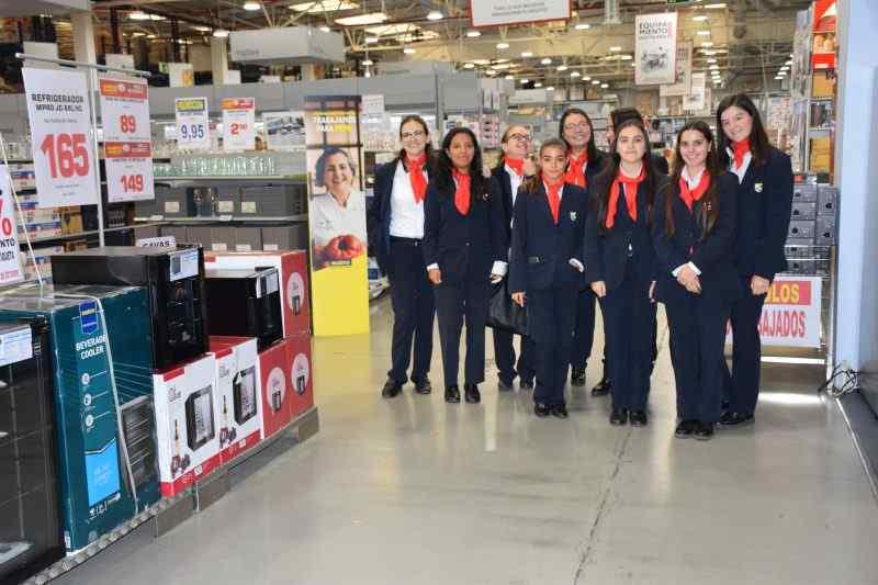 Visita profesional a Makro de las alumnas de Cocina y Gastronomía