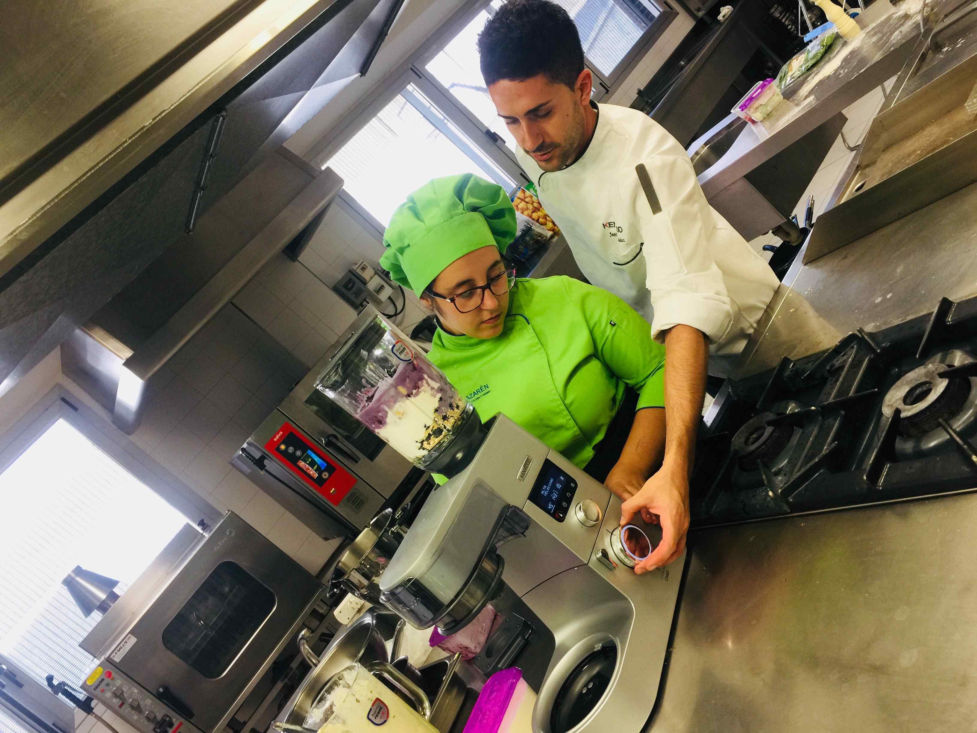 Clase práctica del robot de cocina Kenwood
