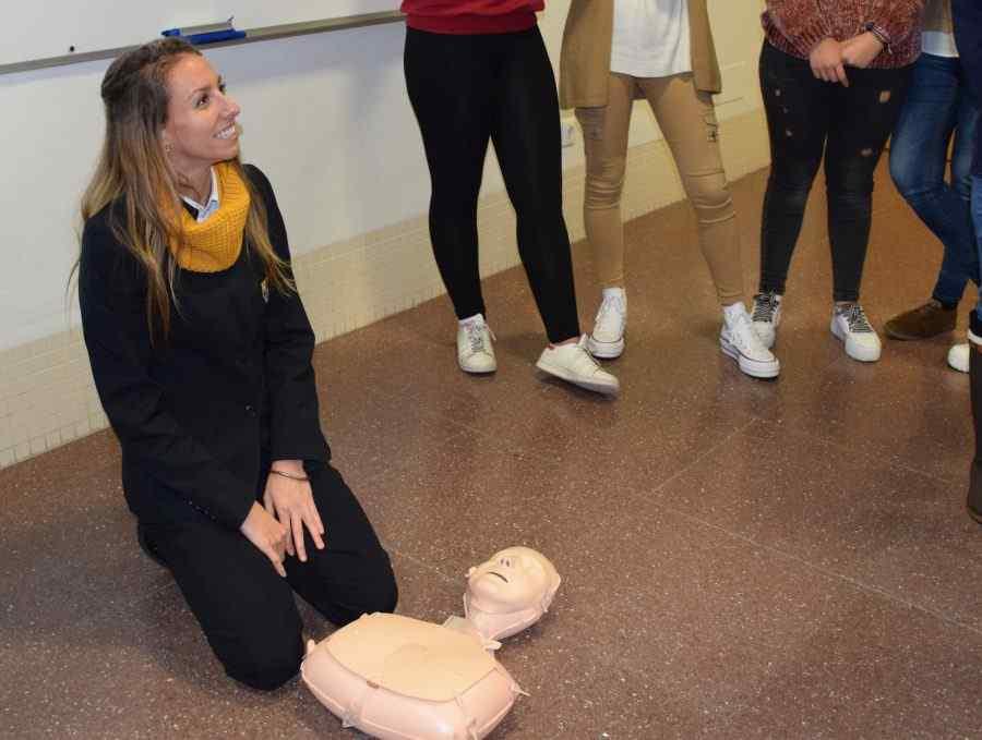 Sesión reanimación cardiopulmonar con SOS Respira