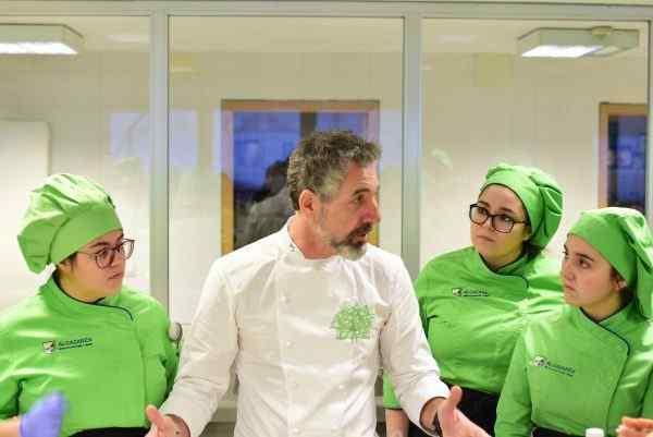 Experiencia Gastronómica con Pepe Solla en la Escuela Alcazarén