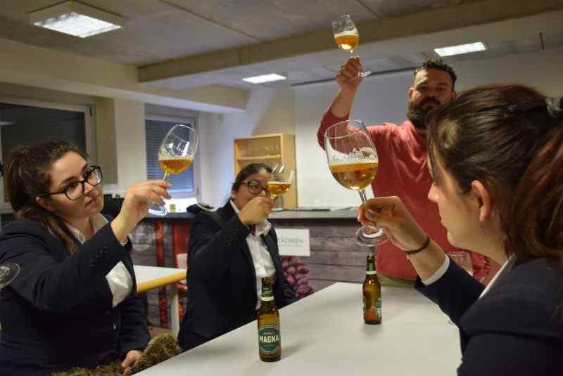 Mini- curso de Cata de cervezas del grupo Mahou-San Miguel a Dirección de Cocina