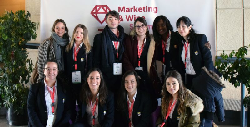 Formación profesional en marketing 100%. Marketing and Wine Summit