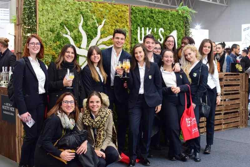 Alumnos de la FP en Turismo de la Escuela aprendiendo de los mejores en FIBAR Valladolid 2019